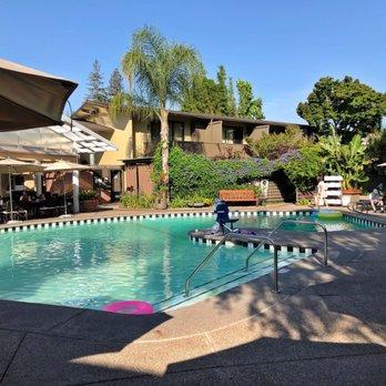 Dinah S Garden Hotel 224 Photos 175 Reviews Hotels 4261 El
