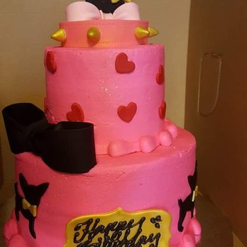 Peachy Yumis Birthday Cake She Wanted A Beverly Hills Chihuahua Theme Yelp Funny Birthday Cards Online Unhofree Goldxyz