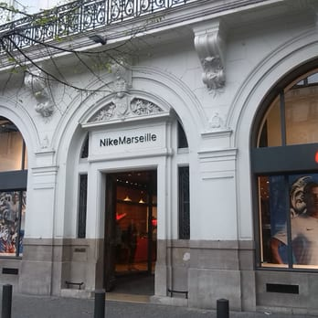 marseille nike store