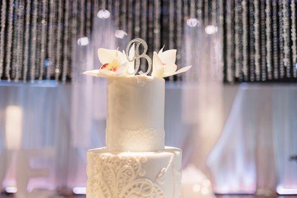 Photo of Shelby Lynns Cake Shoppe - Springdale, AR, US. Wedding topper