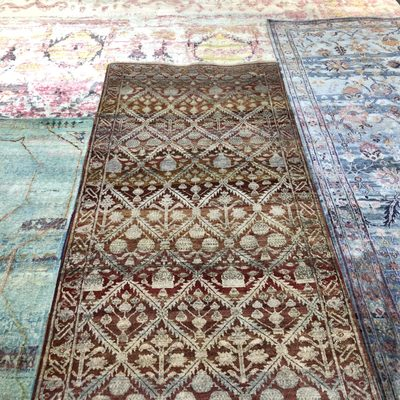 Authentic Persian Oriental Rugs 550 S