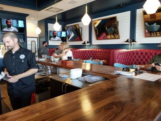 The League Kitchen Tavern 105 Photos 145 Reviews Sports Bars 166 Hargraves Austin Tx Restaurant Reviews Phone Number Menu Yelp