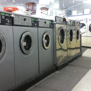 Super Coin Laundry 72 Reviews Laundromat 4138 N Broadway St Uptown Chicago Il Phone Number Yelp