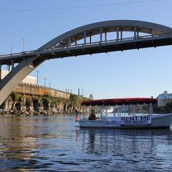 Boating in Cascade Locks - Yelp