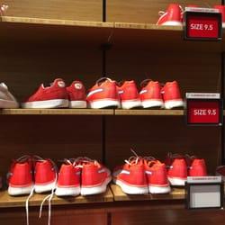 Outlet Elizabeth Nj >> The Puma Outlet Shoe Stores 651 Kapkowski Rd Elizabeth