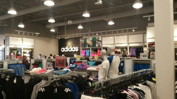 adidas 5701 Outlets At Tejon Pkwy Arvin