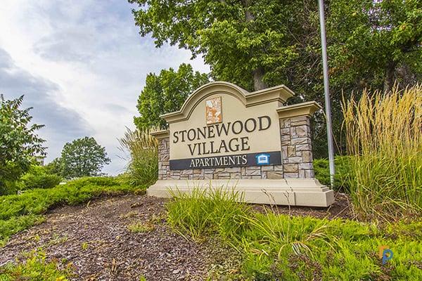 Stonewood Village Apartments - 12 fotos - Alquiler - 302 ...