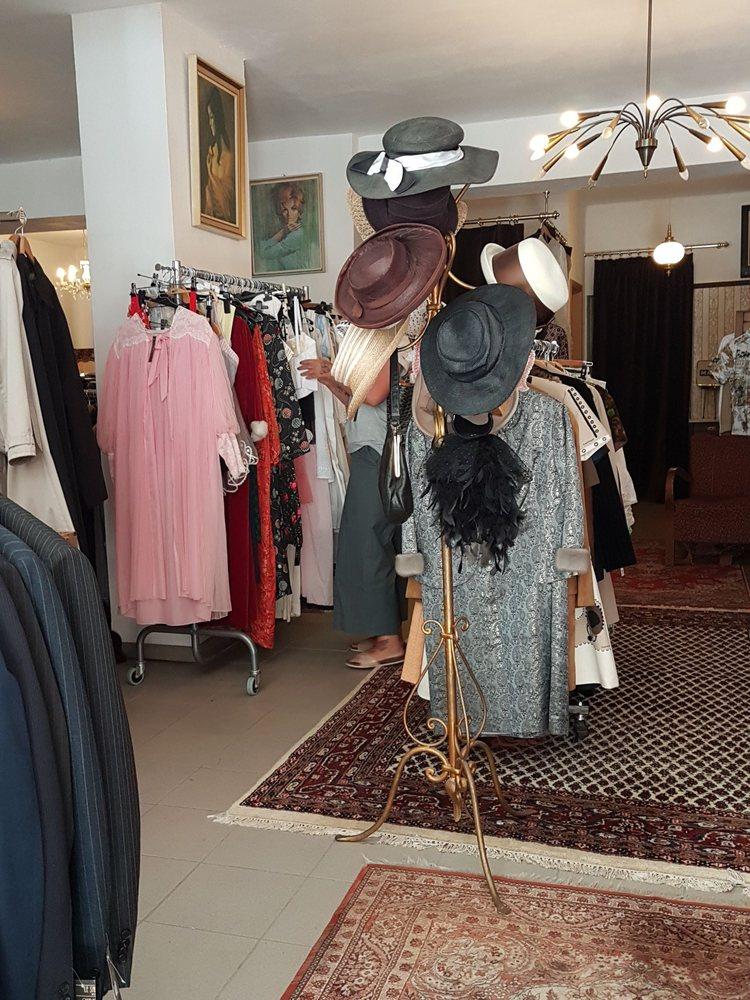Le Salon Vintage Fashion Konigsallee 14 Bochum Nordrhein Westfalen Germany Phone Number Yelp