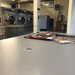 Best Laundry Mats Near Me December 2020 Find Nearby Laundry Mats Reviews Yelp