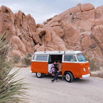 Retro Volkswagen  Surfer Camper Van with Friction Drive 32 cm 1:14
