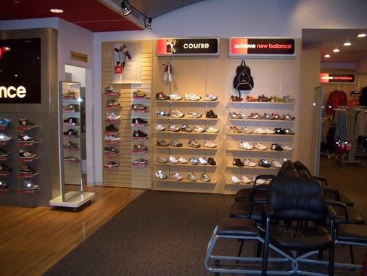 NEW BALANCE MONTREAL - Sports Wear - 654 Rue Sainte-Catherine O ...