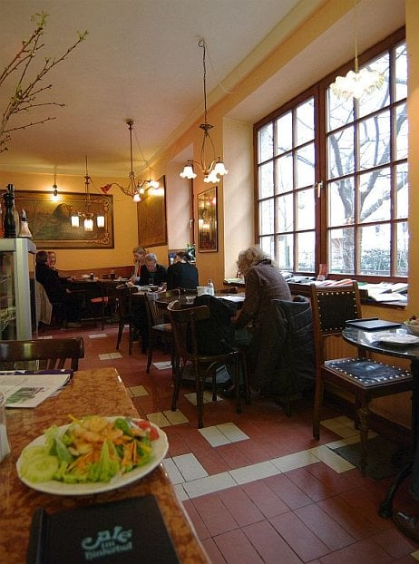 Cafe Im Hinterhof 39 Fotos 63 Beitrage International