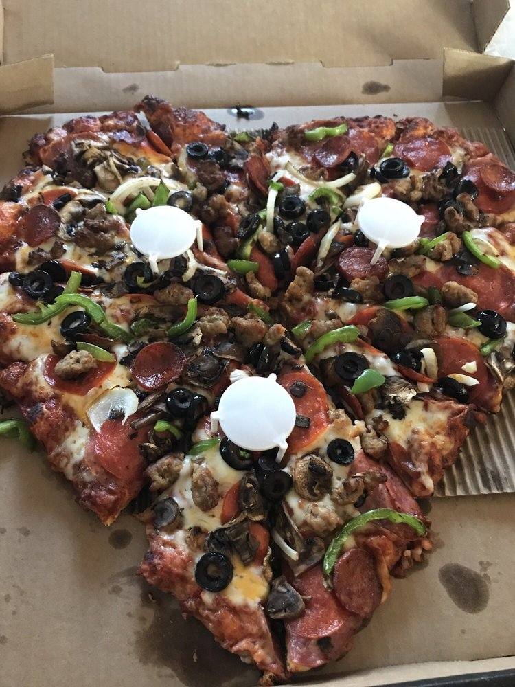 Round Table Pizza Updated Covid 19 Hours Services 63 Photos 121 Reviews Pizza 24703 Amador St Hayward Ca Restaurant Reviews Phone Number Yelp