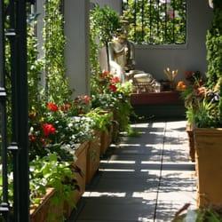 Bloomsbury Patio Gardens Gardeners Vancouver Bc Phone