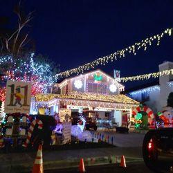 Santa Clarita Christmas Tree Lighting 2020 Top 10 Best Christmas Lights Display in Santa Clarita, CA   Last