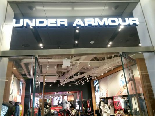 principal foro métrico  Under Armour Brand House 185 Greenwich St Space Ll4302 New York, NY  Clothing Retail - MapQuest
