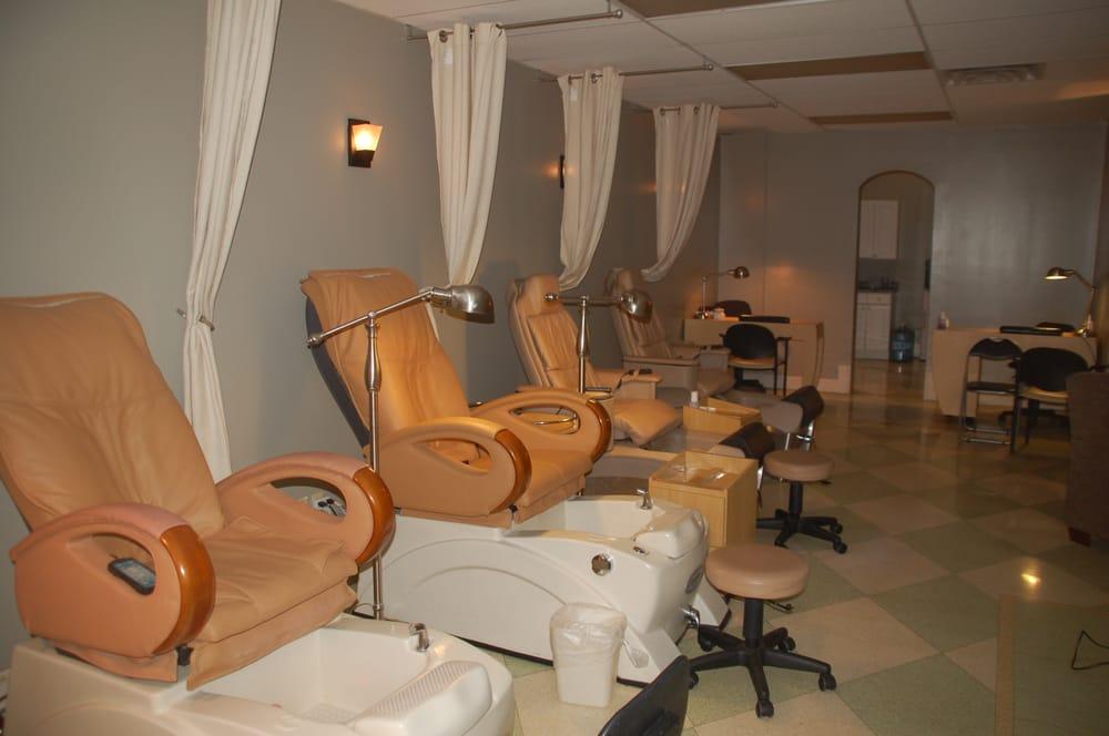 Photo of Knick Salon & Spa - Milwaukee, WI, United States. Pedicure Area