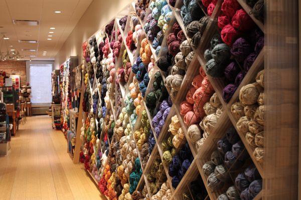 lion brand yarn studio 113 photos 156 reviews arts crafts
