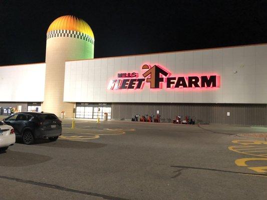 Mills Fleet Farm 1935 Levi Griffin Rd Carver Mn Pet Shops Mapquest