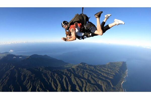 Pacific Skydiving Honolulu 368 Photos 479 Reviews Skydiving 68 760 Farrington Hwy Waialua Hi Phone Number Yelp