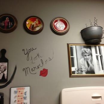 Marilyn Monroe Bathroom Decor So Funny