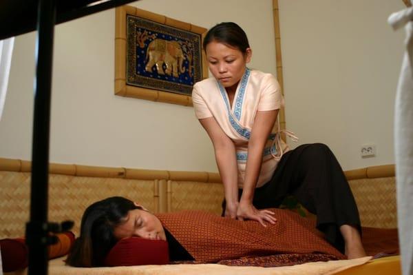Thai massage leverkusen wiesdorf