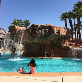 sapphire pool at the rio all-suite hotel /u0026 casino