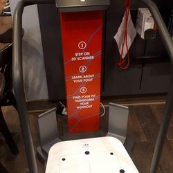 740686b57440 Shoe Stores in Toronto - Yelp