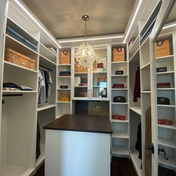 S & S Cabinets and Closets