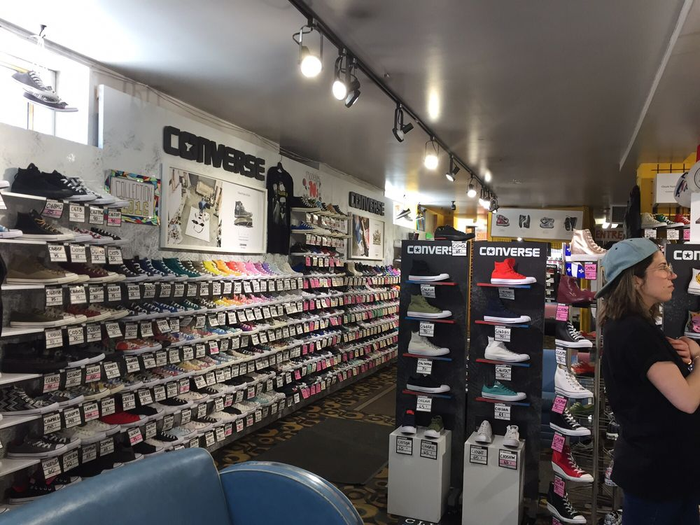 magasin converse st denis