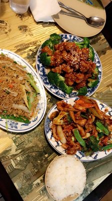 Fatima S Halal Kitchen Takeout Delivery 178 Photos 394 Reviews Chinese 25 25 Broadway Astoria Astoria Ny Restaurant Reviews Phone Number Yelp
