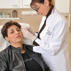Treatment of Acne in Montreal   Clini ...