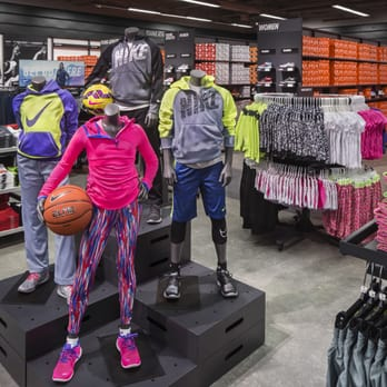 nike store at the palm beach outlets