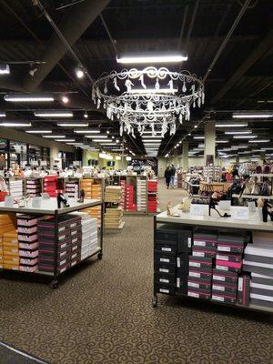 DSW Designer Shoe Warehouse - 76 Photos