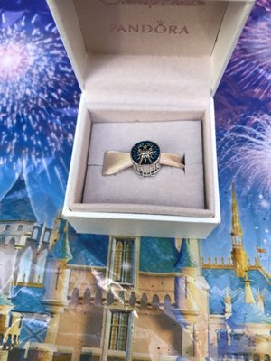 Pandora Jewelry 19 Photos 40 Reviews Jewellery 1313 Disneyland Dr Anaheim Ca United States Yelp