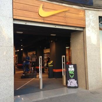 Preparación sofá grado  Nike Store Valencia - Sports Wear - Carrer Xativa, Arrancapins, Valencia,  Spain - Yelp