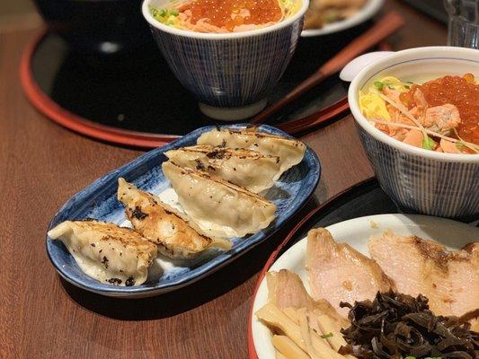 Hokkaido Ramen Santouka 1274 Photos 947 Reviews 1690 Robson Street Vancouver Bc Canada Restaurant Phone Number Yelp