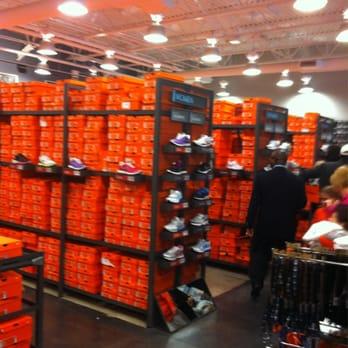 buy \u003e nike discount store near me, Up