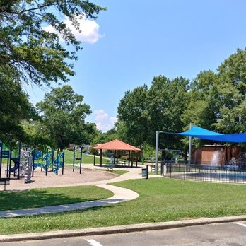West Charlotte Park And Recreation Center Parks 2401 Kendall Dr Biddleville Charlotte Nc Yelp