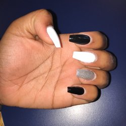 Lucky Nails - 21 Photos & 17 Reviews - Nail Salons - 4575
