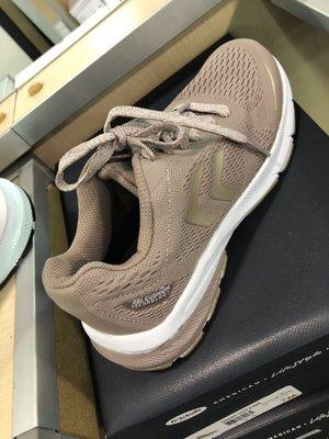 DSW Designer Shoe Warehouse - 118