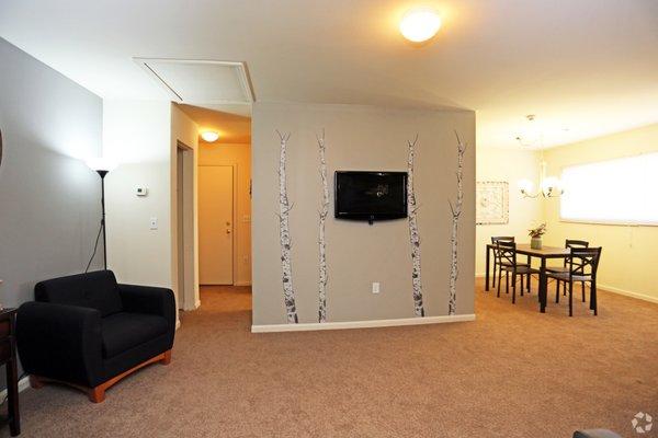 AUTUMN RIDGE APARTMENTS - 31 Photos - Apartments - 1501 ...