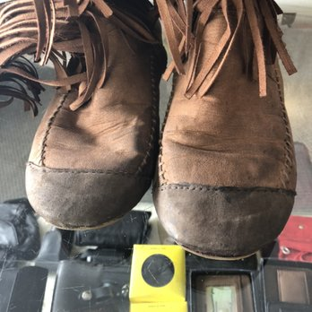 Andy's Shoe Repair - Shoe Repair - 1622
