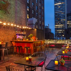 Henry's Rooftop Bar