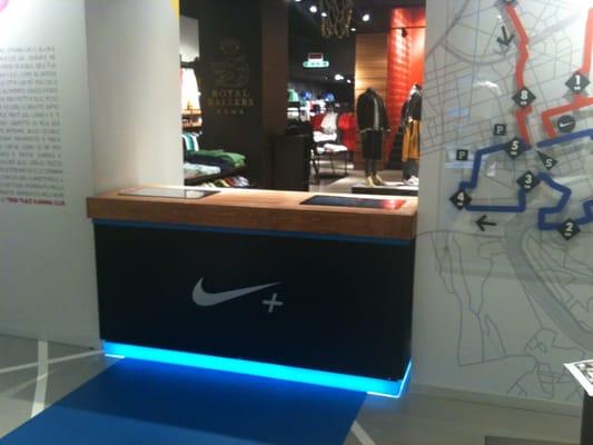 verano Asentar Escandaloso  Nike Store - Sports Wear - Via Cola di Rienzo 156, Prati, Roma, Italy -  Phone Number - Yelp