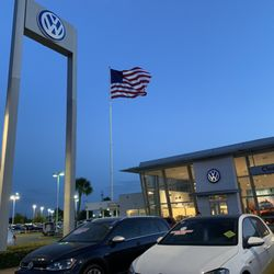 Clear Lake Vw >> Front Of The Dealership Yelp