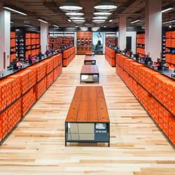 Nike Factory Store 32 billeder & 27 anmeldelser Outlets