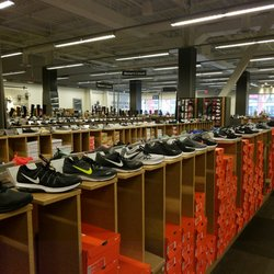 Top 10 Best Dsw Designer Shoe Warehouse