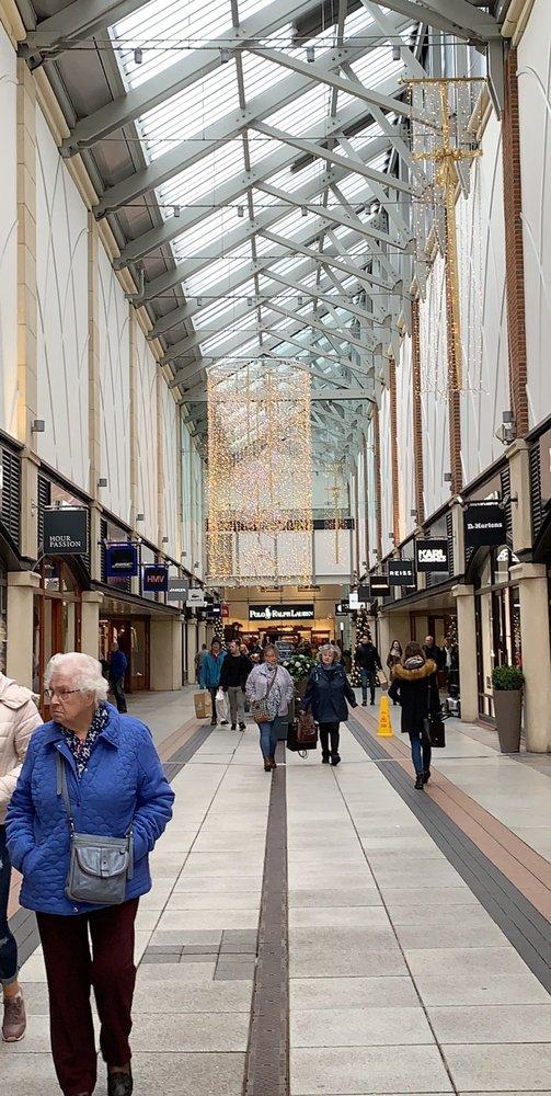 Gunwharf Quays 44 Photos 15 Reviews Shopping Centers