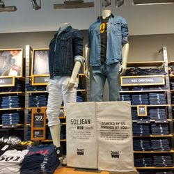 14db88a720d See all Casual Male XL Outlet reviews · Levi s Outlet Store